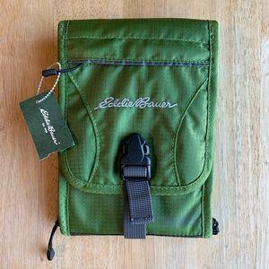 Eddie Bauer Expedition Travel Wallet Green NWT